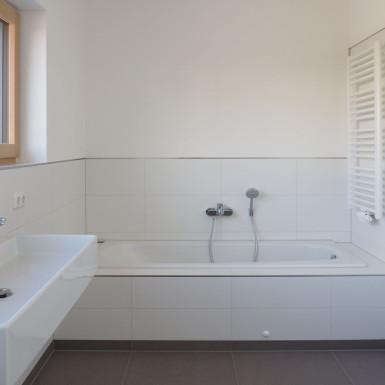 Doppelhaus Ziegelleite Bild Bad Ansicht Waschplatz / Badewanne